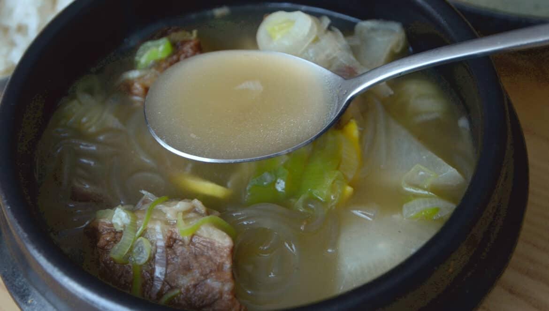 韓國料理-韓式牛排骨湯怎麼吃