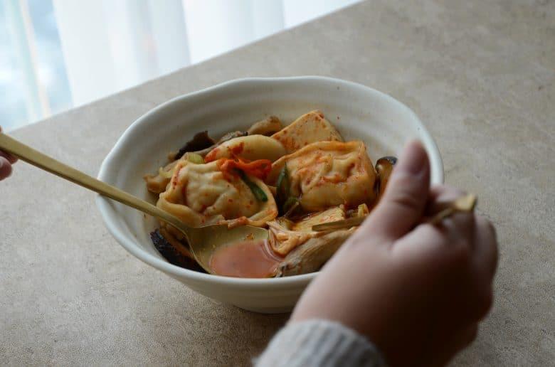 韓國美食韓式餃子火鍋