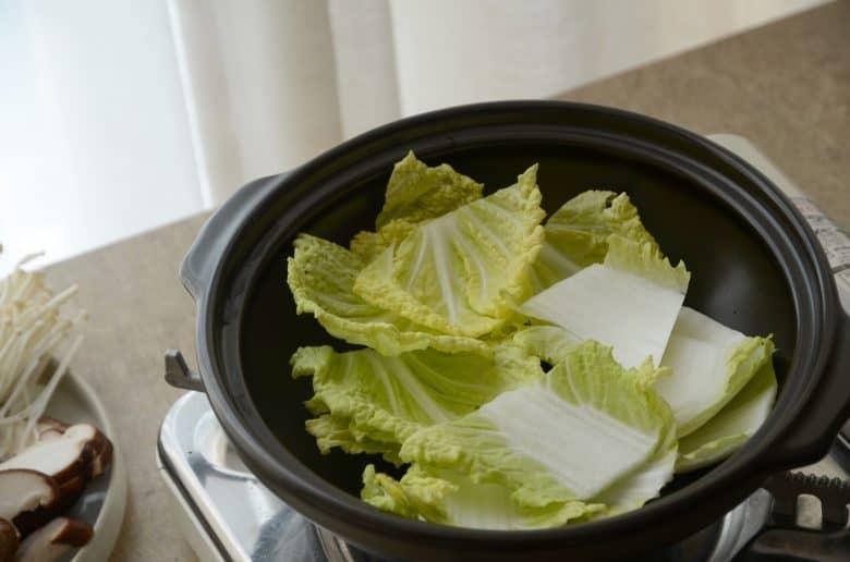 韓式火鍋上菜