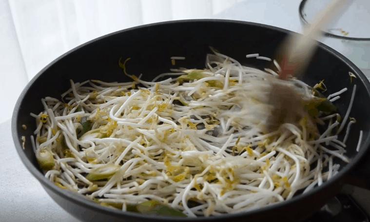 韓式炒豆芽五花肉食譜