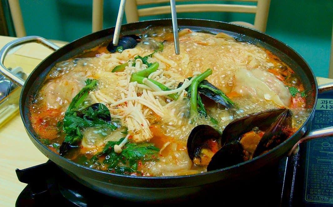 韓式餃子火鍋