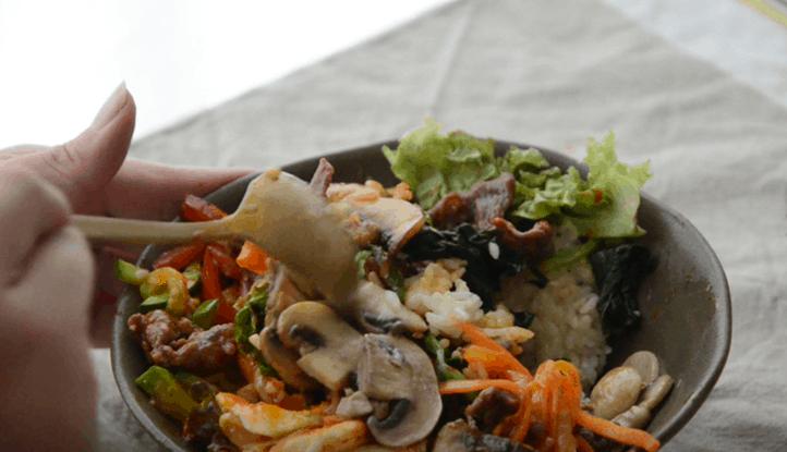 韓式拌飯怎麼吃