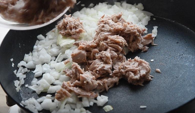 韓式辣鮪魚拌麵做法