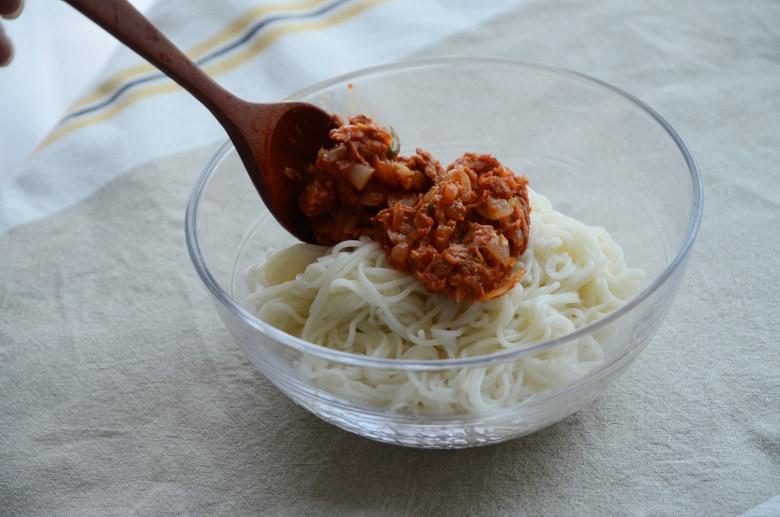 韓式辣鮪魚拌麵食譜與做法