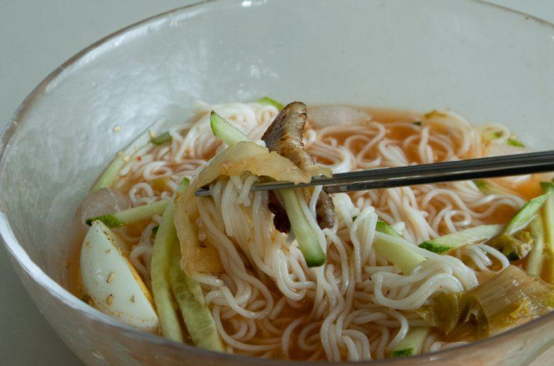 泡菜冷麵與韓式烤肉